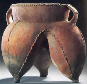 Neolithic li, dating from sometime between 4500 and 2500 BCE.