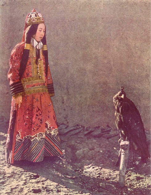Princess Nirigdma with hunting eagle.