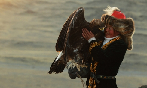 Ashol Pan, eagle huntress. Credit: Asher Svidensky.