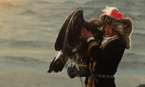 Ashol Pan, eagle huntress. Credit: Asher Svidensky.